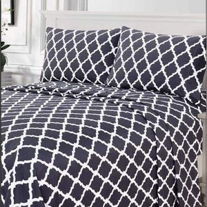 ✨SALE✨Full 4pc Charcoal Arabesque Bedsheets